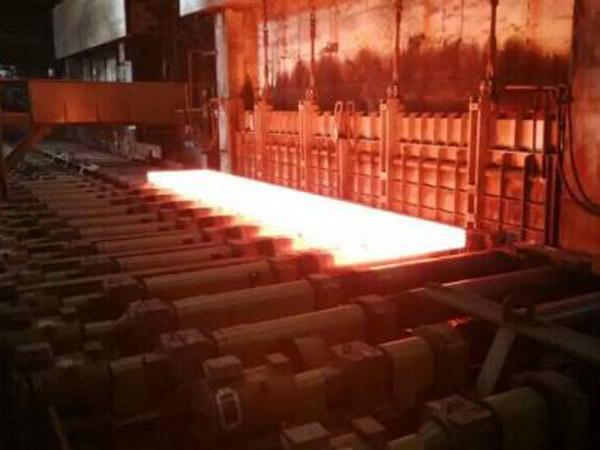 山西钢铁公司轧钢厂加热炉炉墙修补施工