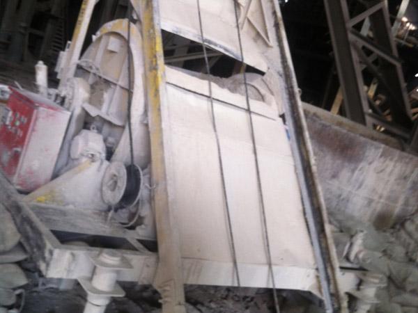 山西某钢铁公司加热炉炉墙用耐火材料施工现场